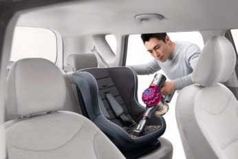 cleaning car seat with Dyson V7 Motorhead